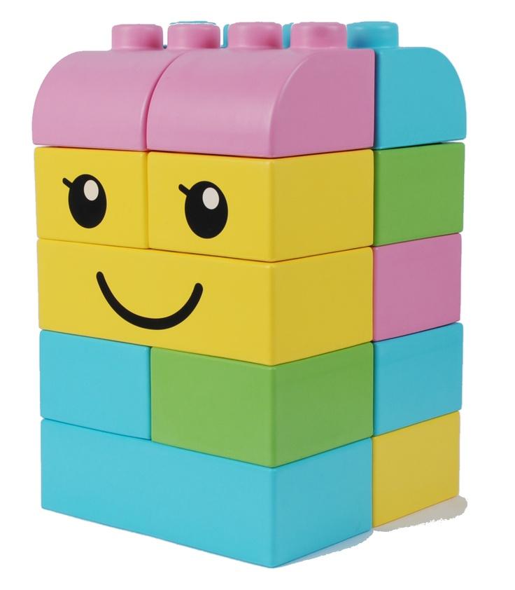 les 8 meilleures images du tableau briques lego g antes sur pinterest briques lego geant et. Black Bedroom Furniture Sets. Home Design Ideas