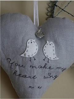 Lief hartje met vogeltjes van vilt