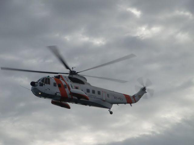 Puerto de Las Palmas.Spotter.Aeropuerto Gran Canaria     : Salvamento Maritimo EC-FZJ Sikorsky S-61N MkII.. G...