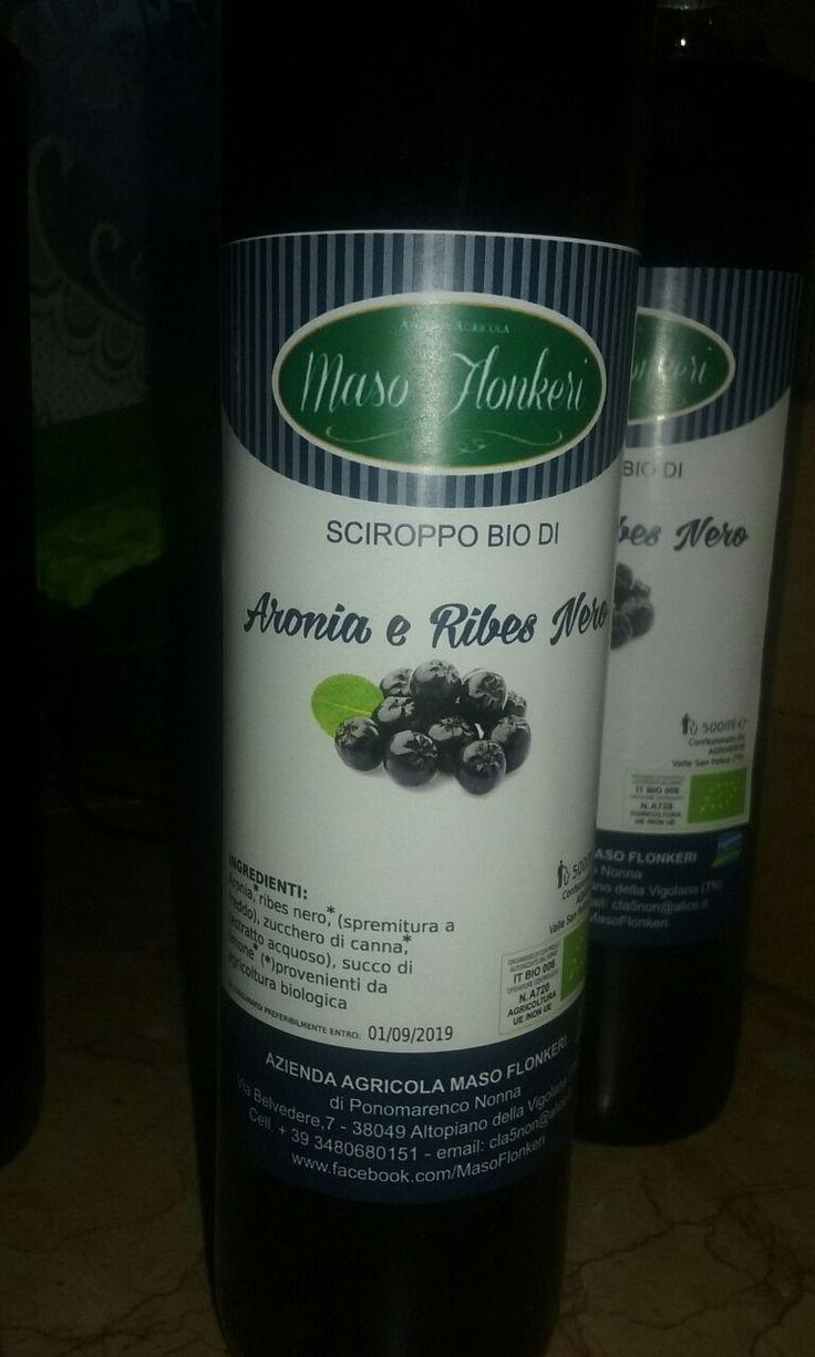 Il nostro  sciroppo Bio di Aronia  e Ribes  nero spremuto  a freddo.