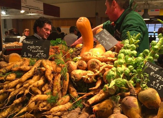 Face au rouleau compresseur de l'agro-alimentaire, il cultive des légumes oubliés