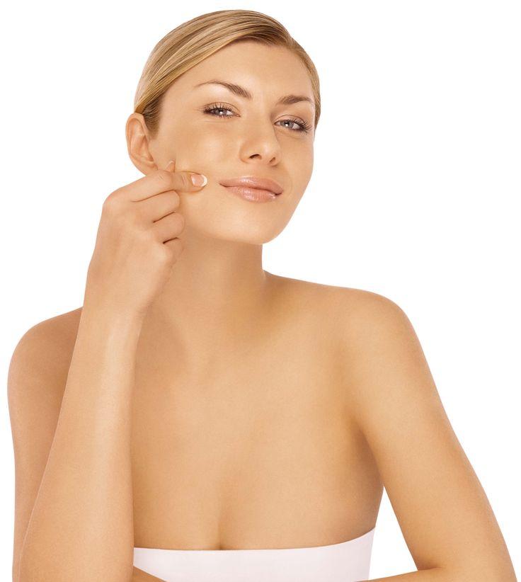 Sievietes vecuma patiesais spogulis – dekoltē zona. Kā kopt un aizkavēt ādas novecošanos?