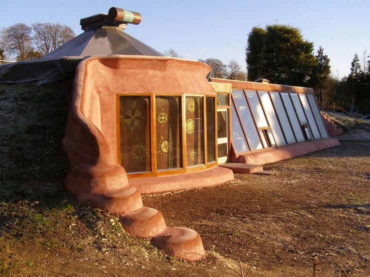 Earthships — The Ultimate Green Homes ¶  Earthship is a concept of over 40 years and yet the first one ever built in Europe was in 2000.