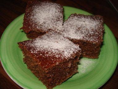 Vejce smícháme s cukrem, vanilk. cukrem, mlékem, olejem do pěny, přidáme mouku s pr. do peč., pr. do perníku, ...