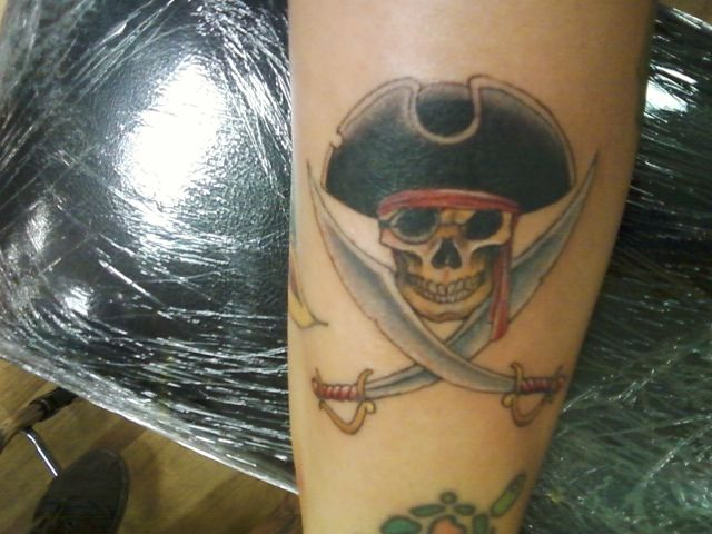 Pirate tattoo skull and cross swords inked pinterest for Crossed swords tattoo