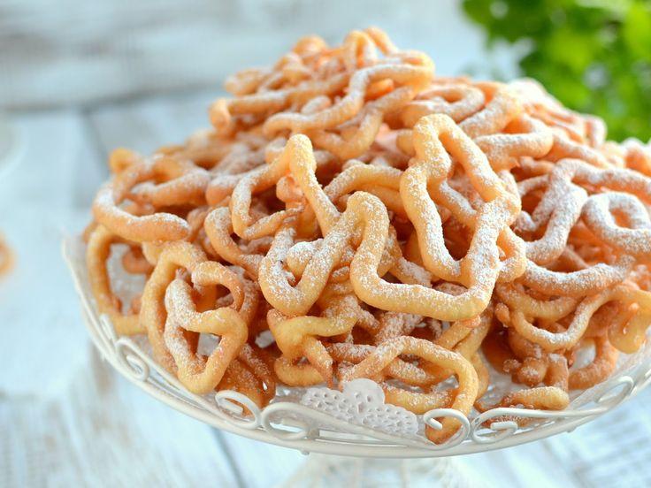 Gotuj z Cukiereczkiem: Słodkie cudaki czyli chrust lany