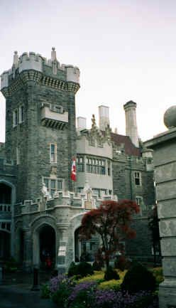 Casa Loma, Canada originally a residence for financier Sir Henry Mill Pellatt. Casa Loma was constructed over a three-year period from 1911–1914. The architect of the mansion was E. J. Lennox,[1] who was responsible for the designs of several other city landmarks.