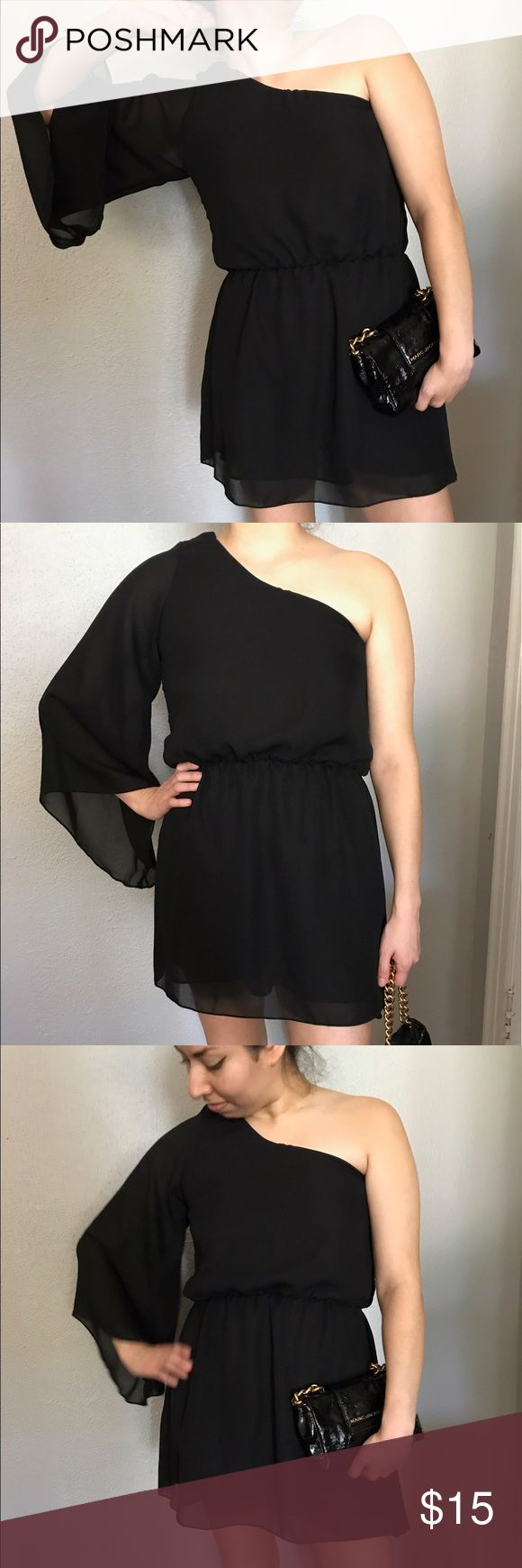 """One shoulder bell sleeve dress Black chiffon bell sleeve dress. I bought this dress at TJ Maxx and it's a little small on me now. I'm 5'2"""" for reference. Will post more pictures with measurements soon! Marc Jacobs bag modeled is for sale in my closet :) TRAMP Dresses One Shoulder"""