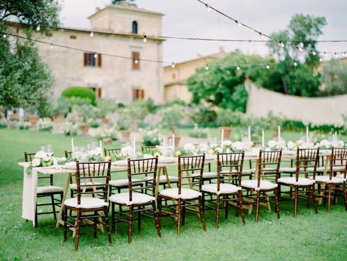 Table decoration for outdoor wedding | The Rustic Italian Wedding Of Carline Darjanto And Aoura Chandra | http://www.bridestory.com/blog/the-rustic-italian-wedding-of-carline-darjanto-and-aoura-chandra
