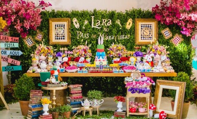 Alice no País das Maravilhas: Lara - 1 ano - Inesquecível Festa! Infantil & Teen