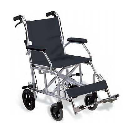 Silla de ruedas de aluminio Stagi Su principal ventaja es el precio y el poco espacio que ocupa. Es barata, plegable y al ser de aluminio, pesa tan solo 8 kilos. Mas información en: http://www.sci-geriatria.com/catalogo/sillas-ruedas/plegables/aluminio_stagi/