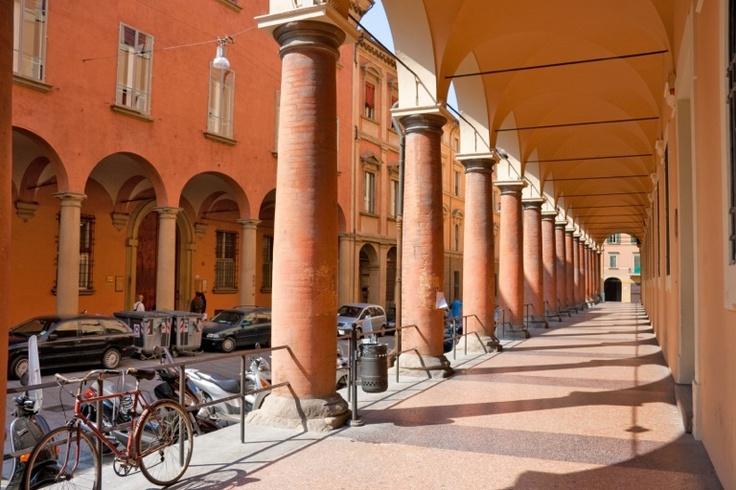 Bei portici vicino a St. Paolo Maggiore, Bologna