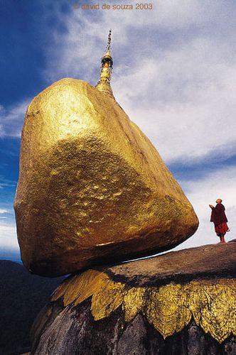 02 Monastery in Myanmar - golden rock pagoda by David de Souza