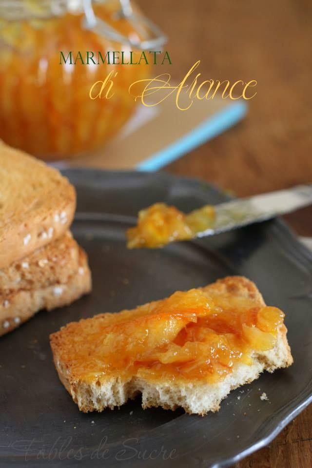 Marmellata di arance fatta in casa. Buonissima per la prima colazione, ottima in un guscio di frolla per farne una crostata o per farcire una torta.