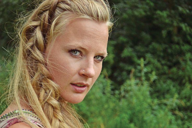 #braids #blondhair #bohohair #bohemianhair #pressphoto #willowmae #songofsongs #vocalist #artist #singer