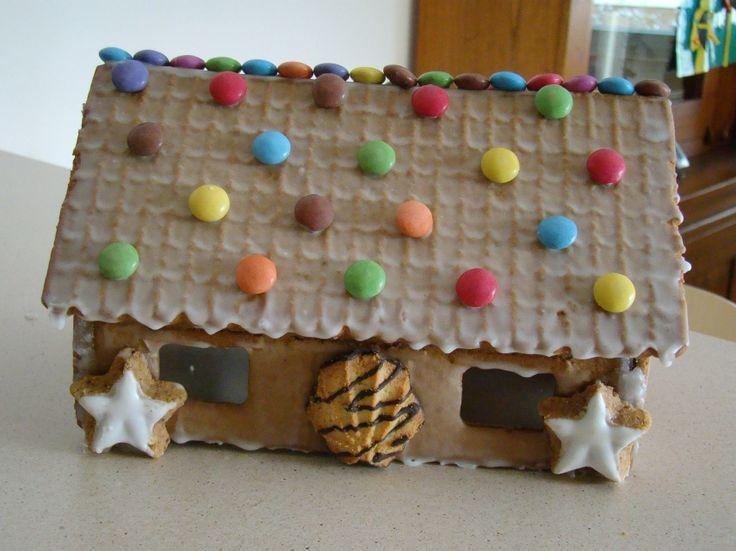 Les 71 meilleures images propos de hansel et gretel sur pinterest maison de bonbons - Maison en biscuit et bonbons ...