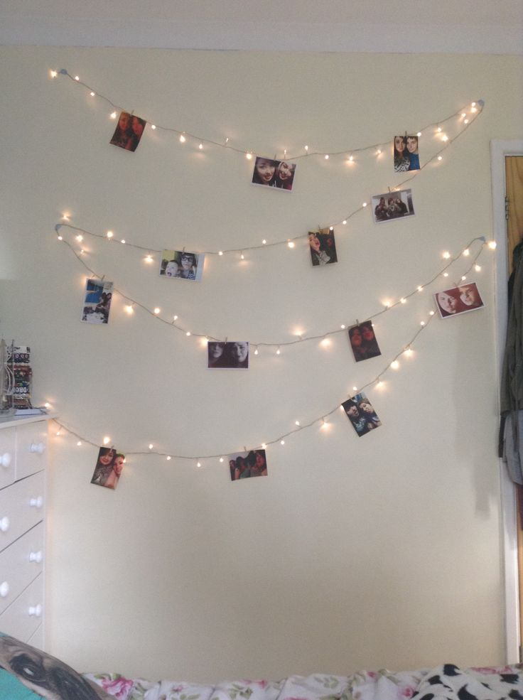 Pin Up Girl Home Wallpaper Fairy Lights Pegs And Memories Creative Room Decor