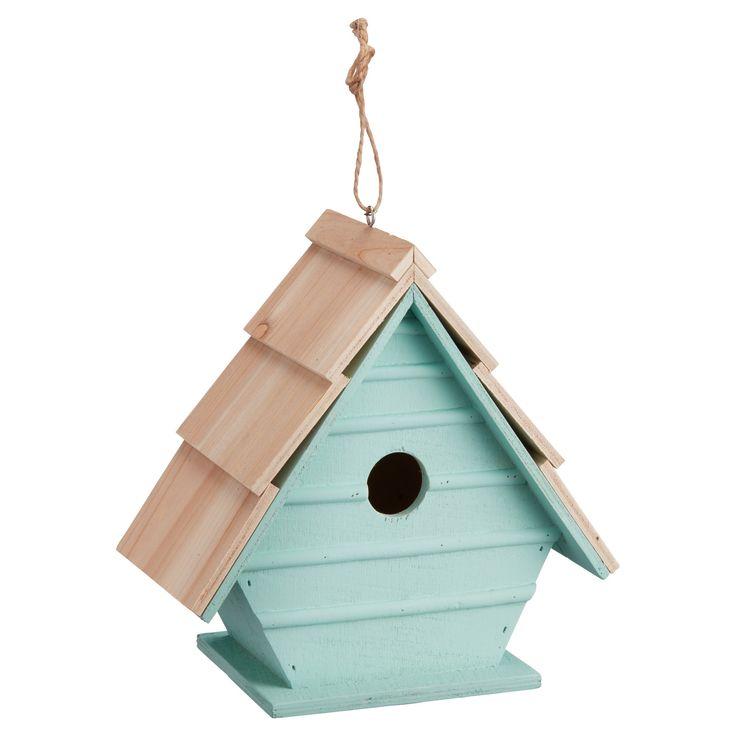 Sfeervol houten vogelhuis. Kleur: groen. Afmeting: 22x21 cm (bxh). Verkrijgbaar in diverse kleuren. #tuin #vogelhuis #KwantumLente #tuindecoratie
