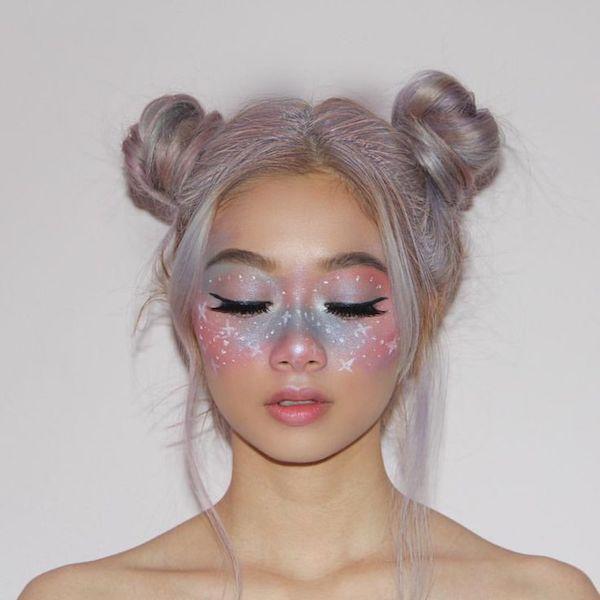 Galaxy Make Up Der Heisseste Schminktrend Aus Dem Instagram Fasching Makeup Fantasy Make Up Frisur Inspirationen