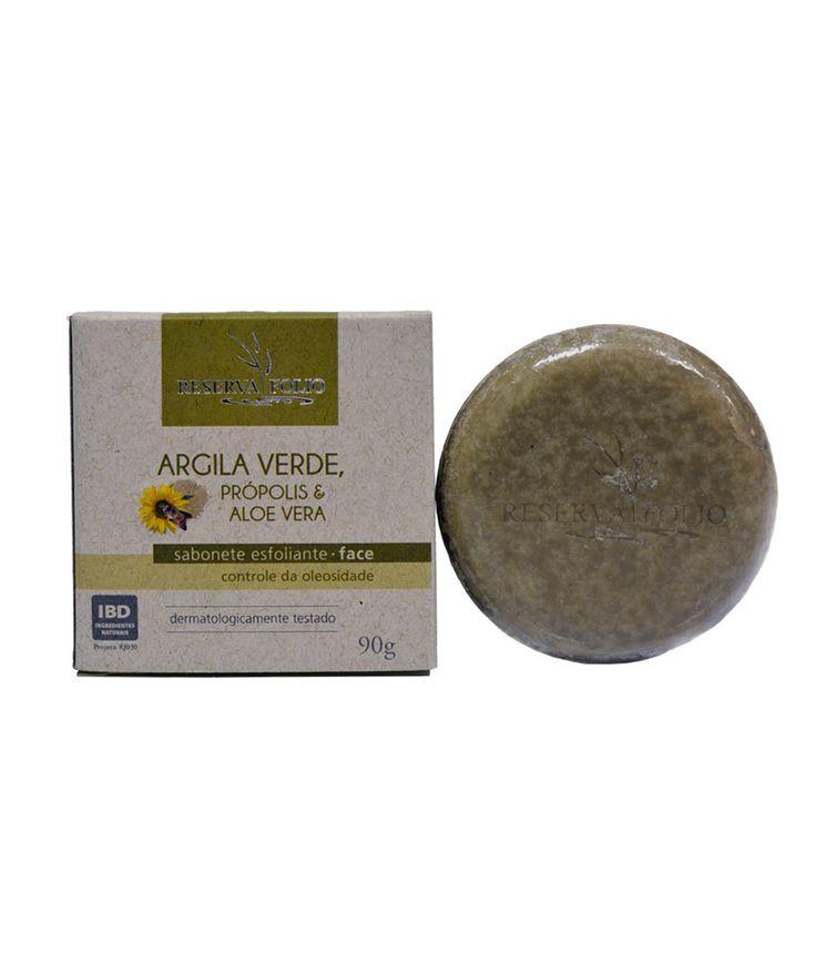O SABONETE ESFOLIANTE DE ARGILA VERDE, PRÓPOLIS E ALOE VERA limpa profundamente a pele, retirando o excesso de oleosidade, agindo de forma bactericida nos processos acneicos e auxiliando na cicatrização dérmica.  Pode ser usado diariamente. Indicado para pele oleosa. http://www.revendaamaterra.com.br/loja/espaco-ngmarketplace