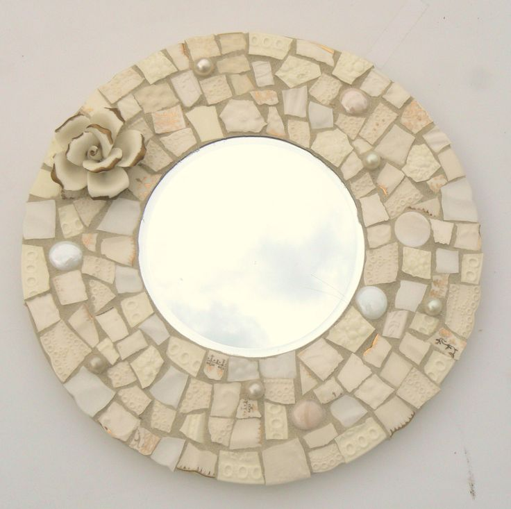 mosaic mirrors | Winter White Broken China Mosaic Round Mosaic Mirror