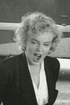 Marilyn Monroe - Looks like she's yelling but actually she is yawning