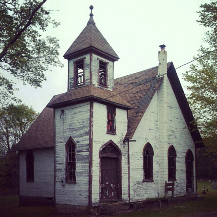532 best old or abandoned houses churches cabins cottages etc images on pinterest abandoned - Homes in old churches ...