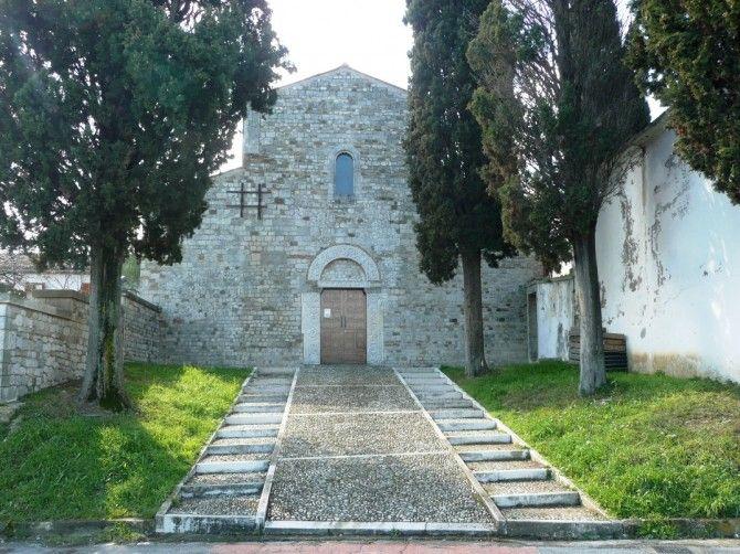 Abbazia di San Clemente,Epoca: XII secolo Stile: Romanico Luogo: Guardia Vomano di Notaresco