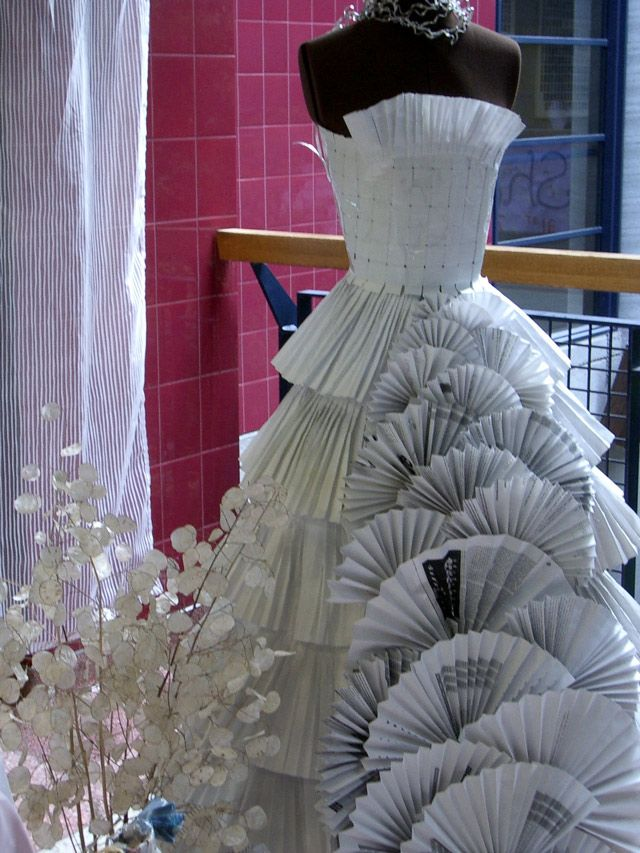 Paper_couture_gown_24