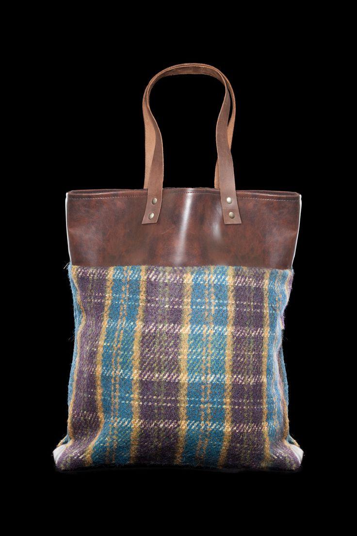 Shopping con banda in pelle e tessuto scozzese blu/viola