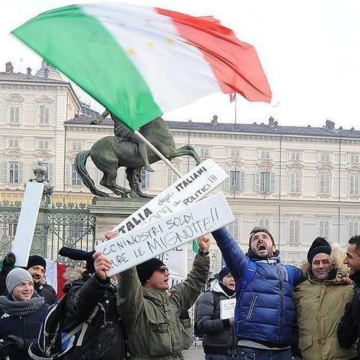 Ricordi del 9 dicembre 2013..🇮🇹🔝🇮🇹 #Flag #Torino #Italy #Forconi #Manifestazione #ragazzi #studenti #Giovani #Stato #Politici #unitisivince #bandiera