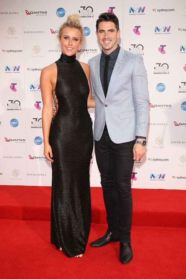 Olivia Phyland and Scott Tweedie | Here Are All The Red Carpet Looks From The 2016 Aria Awards