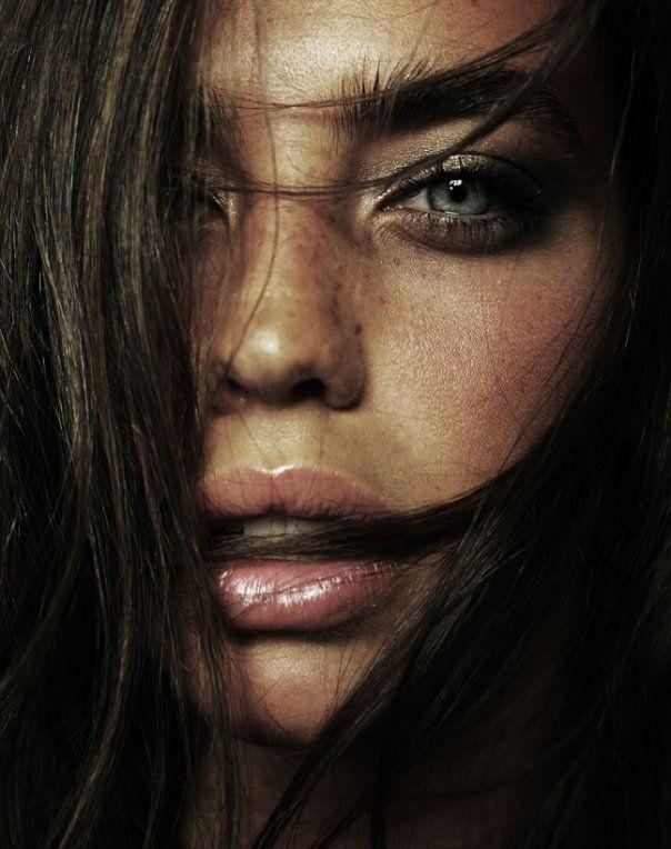 Brandi Bondoc (1994) is a American Model (Ambercrombie) Portrait