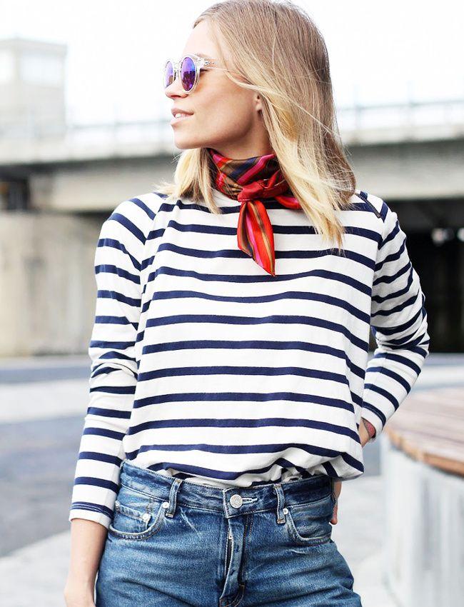 Marinière + foulard noué près du cou = le bon mix (blog The Fashion Eaters)