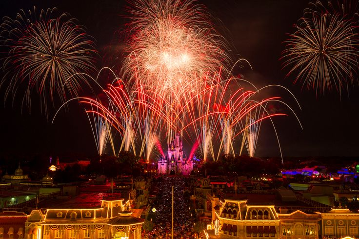 Where to View Disney Fireworks Without Entering The Parks | You don't need to enter the parks to make magical memories. Here's an insider's guide to viewing Disney fireworks without having to enter the parks.