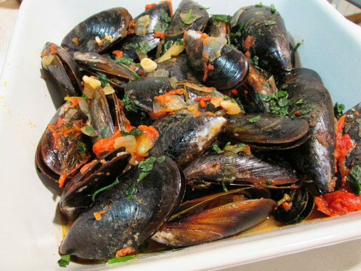 Mussels, Portuguese style  Traditional Portuguese mussels recipe.