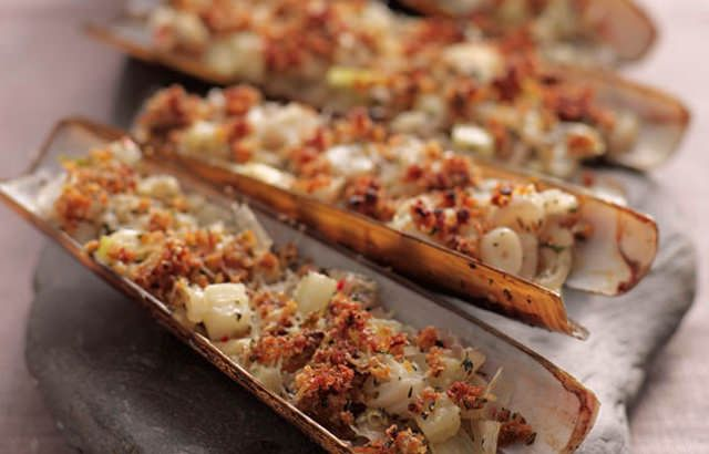 Grilled razor clams with chilli, fennel and thyme recipe on Great British Chefs
