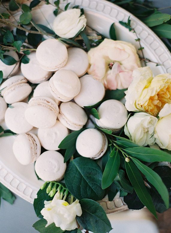 White garden wedding inspiration | Photo by Melanie Gabrielle | Read more - http://www.100layercake.com/blog/?p=81565