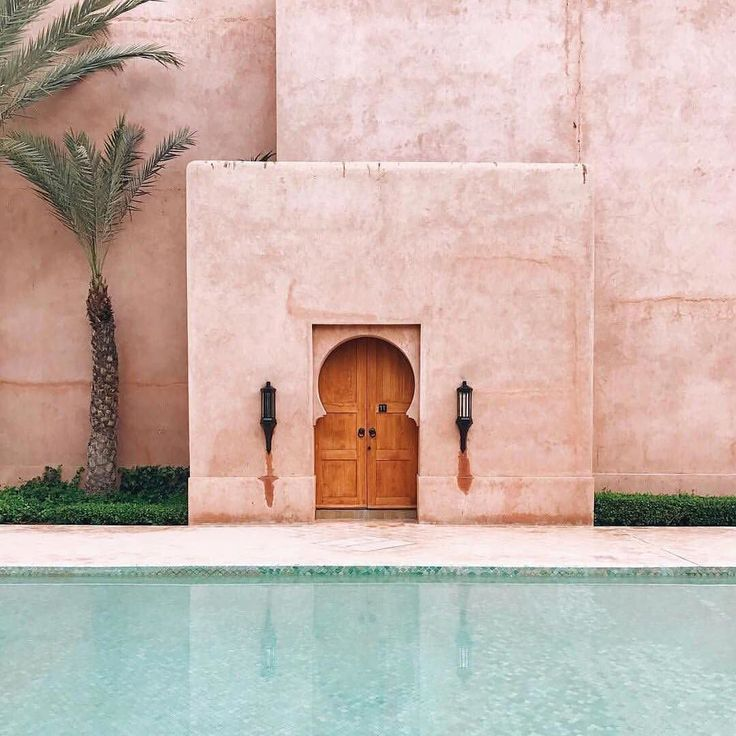 Marrakech... #wanderlusting #lifelessordinary // ThreeGirlsOnAWhim.com - link in bio// Eat  Think  Wear  Travel  Live // . Via @refinery29 @amanjena_resort . . . . .  #threegirlsonawhim  #travel #wearetravelgirls #photography #travelblogger #thetravelwomen #aesthetic #travelphotography #dametraveller #passionpassport #lifeofadventure #travelporn #livethelittlethings #ladiesgoneglobal #instadaily #globelletravels #photographer #theprettycities #photooftheday #instastyle #regram #minimalist…