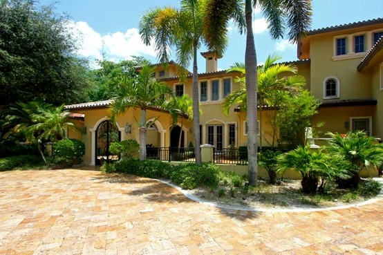 Contact your Luxury Real Estate Broker in South Florida - Kimberly Joy of United Realty Group . 561-628-4663 This fine home is located in Miami, Florida   Luxury Real Estate, Florida Real Estate, Flroida Oceanfront, Homes in Florida, Wellington Homes, Wellington Real Estate, Wellington Equestrian, Wellington Equestrian Homes, Luxury Realtor