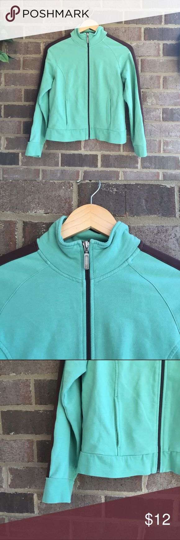 💋BOGO Green Zip Up Sweatshirt This cozy zip up sweatshirt is made from a cotton blend. Green and brown color block makes this a universally flattering piece. 50045🏹 Kim Rogers Jackets & Coats