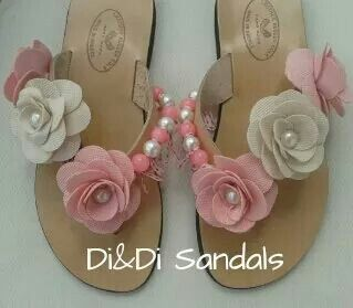 Leather flip flops with flowers