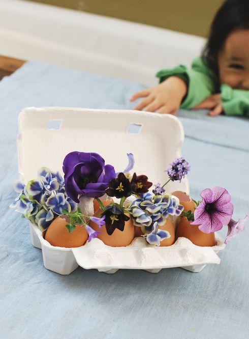 flower arrange egg shell 卵の殻を器にしたフラワーアレンジ