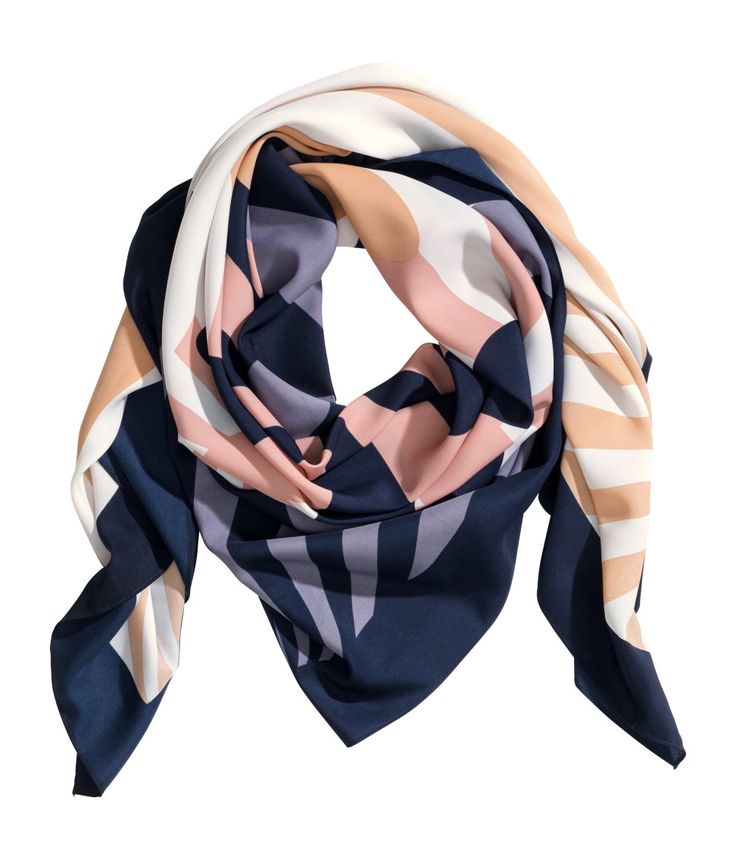 Airy accent scarf with colorful geometric pattern. | H&M Accessories