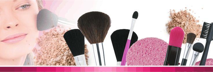 Аксессуары неотъемлемая часть женских косметичек и сумочек, без них нанесения макияжа будет просто не возможным. Маникюр и педикюр сложно представить без разнообразных специальных аксессуаров изготовленных специально для этого. И конечно же не одна прическа не получиться без расчесок. Только у нас вы сможете всё это выбрать, лучшее качество, доступная цена и огромный выбор аксессуаров уже ждёт вас.