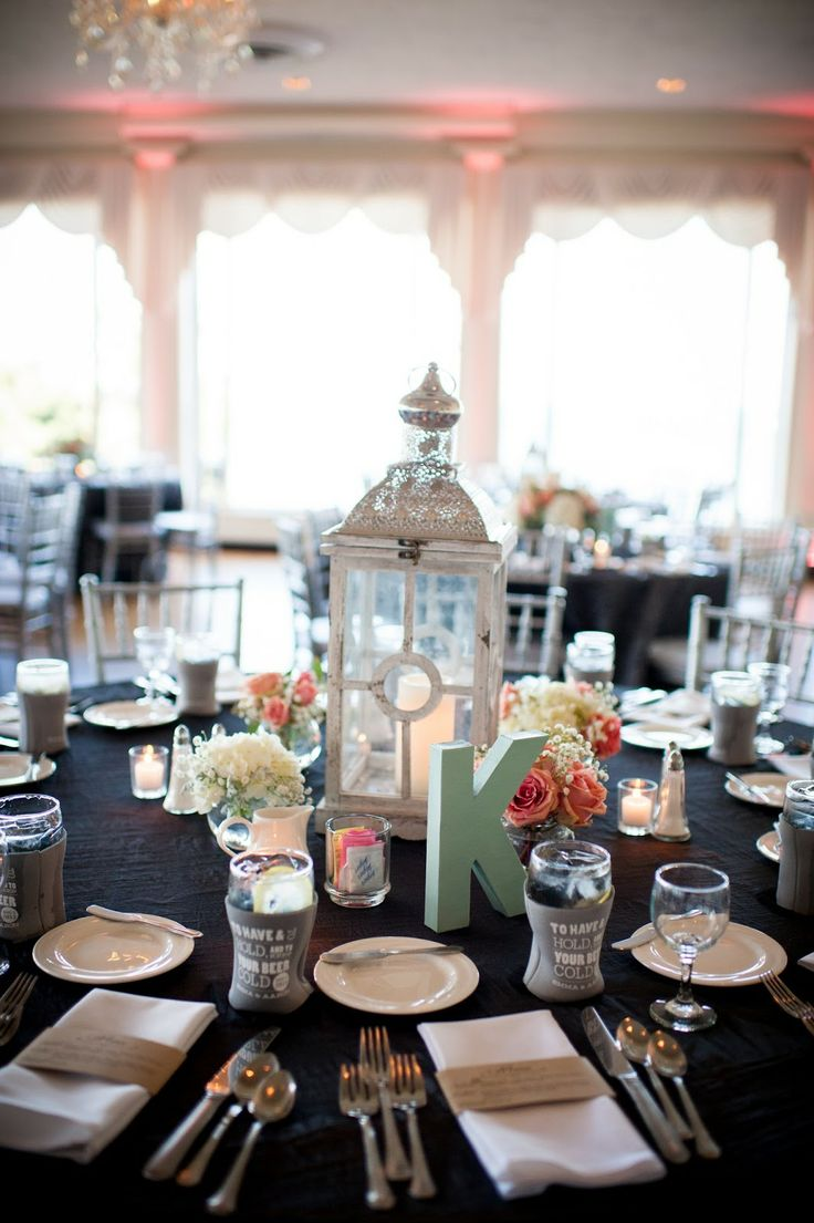 Inspired Wives: Lantern centerpieces