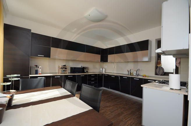 Apartament 4 camere, Nordului, ID 13089 - http://cgahome.ro/proprietati/apartament-4-camere-nordului-id-13089/