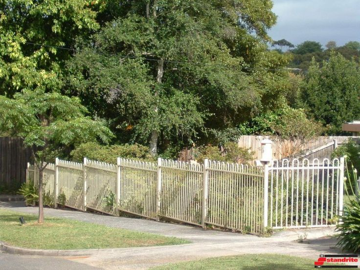 Standrite - Tubular Steel Fencing - Whitehorse Style -