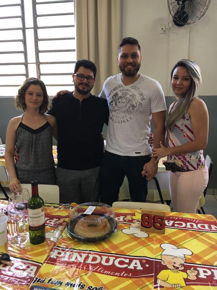 Pessoal da Sistemar Tecnologias prestigiando a macarronada beneficente do Lar Escola Criança de Maringá.