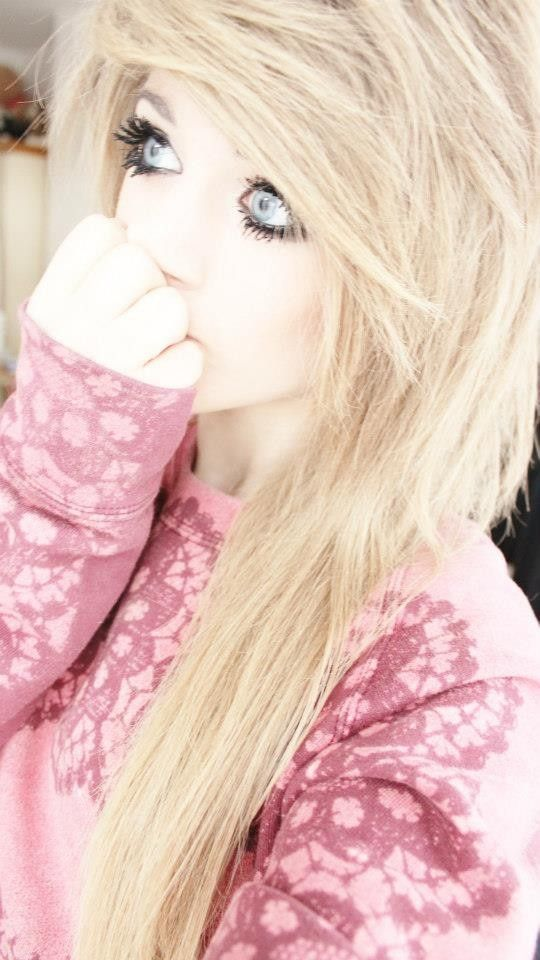 I'm Marina. I am 17. I am a YouTuber. I am known as Marina Joyce.I am crazy,insane,British,and nerdy. I would love to make friends.